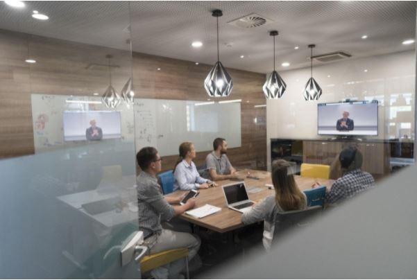 hybrid meetings tips